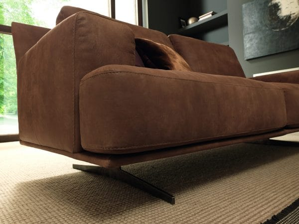 Forte sofa from galieri.com side view